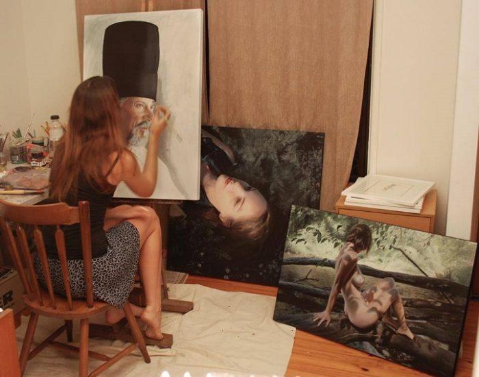 dipinti-iperrealisti-ritratti-donne-bronwyn-hill-08