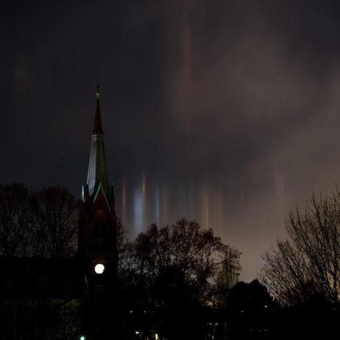 fenomeni-meteo-freddo-colonne-luci-colorate-cielo-03