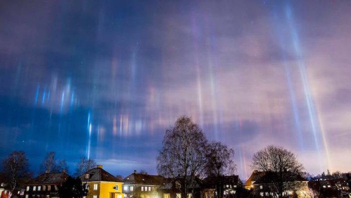 fenomeni-meteo-freddo-colonne-luci-colorate-cielo-05