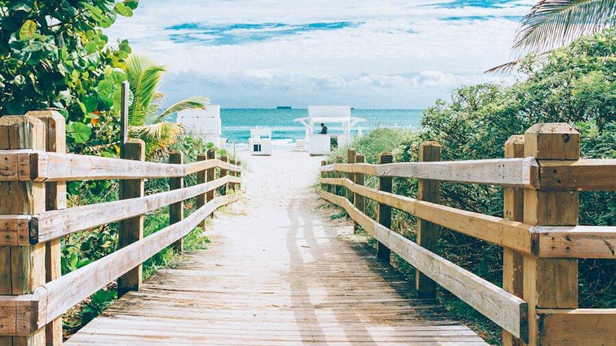 fotografia-arrivando-spiaggia-almost-there-alex-becker-03