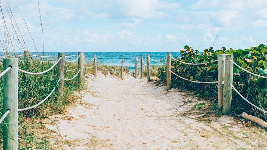 fotografia-arrivando-spiaggia-almost-there-alex-becker-06