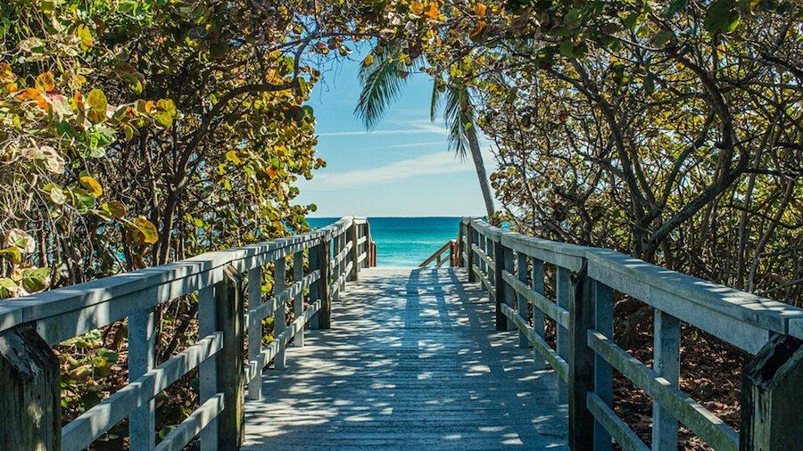 fotografia-arrivando-spiaggia-almost-there-alex-becker-14