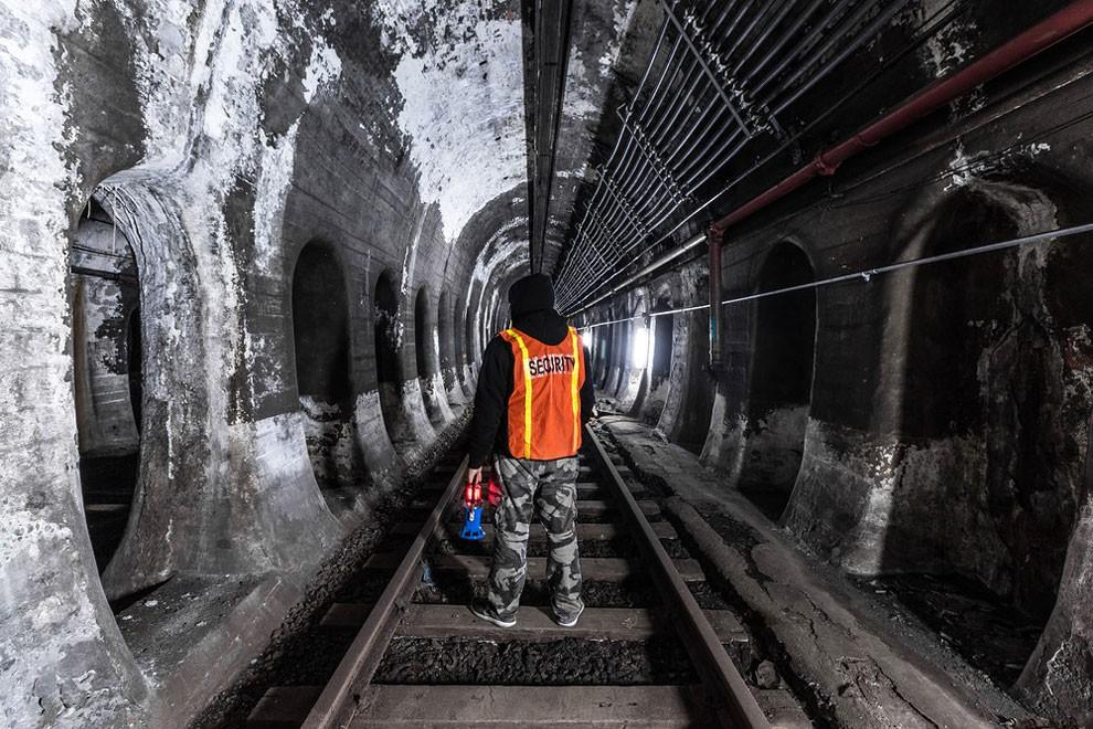 fotografia-gallerie-metro-abbandonata-new-york-dark-cyanide-10