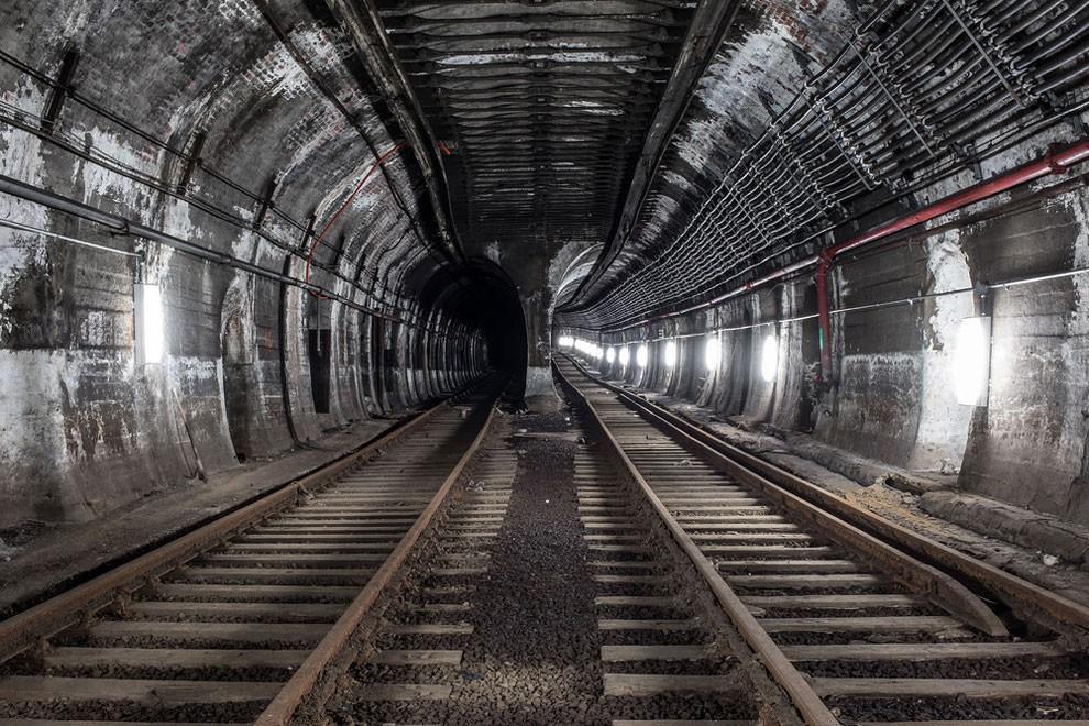 fotografia-gallerie-metro-abbandonata-new-york-dark-cyanide-11