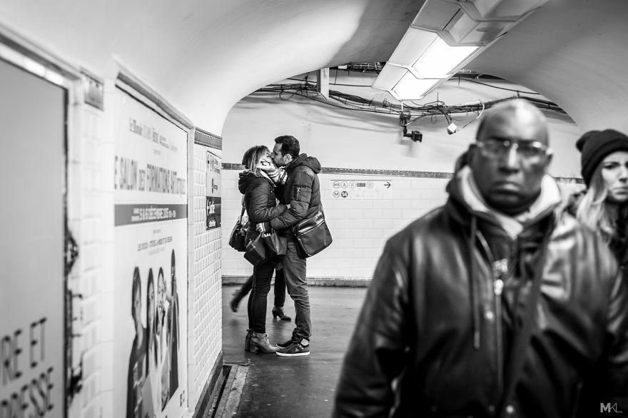 fotografia-innamorati-baci-in-pubblico-mikael-theimer-03