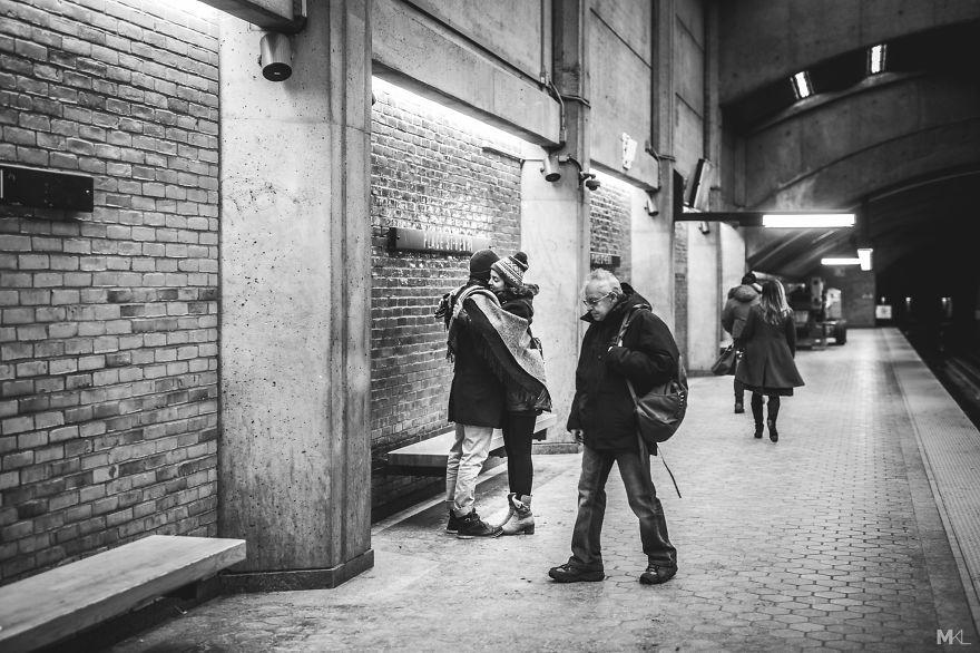 fotografia-innamorati-baci-in-pubblico-mikael-theimer-10