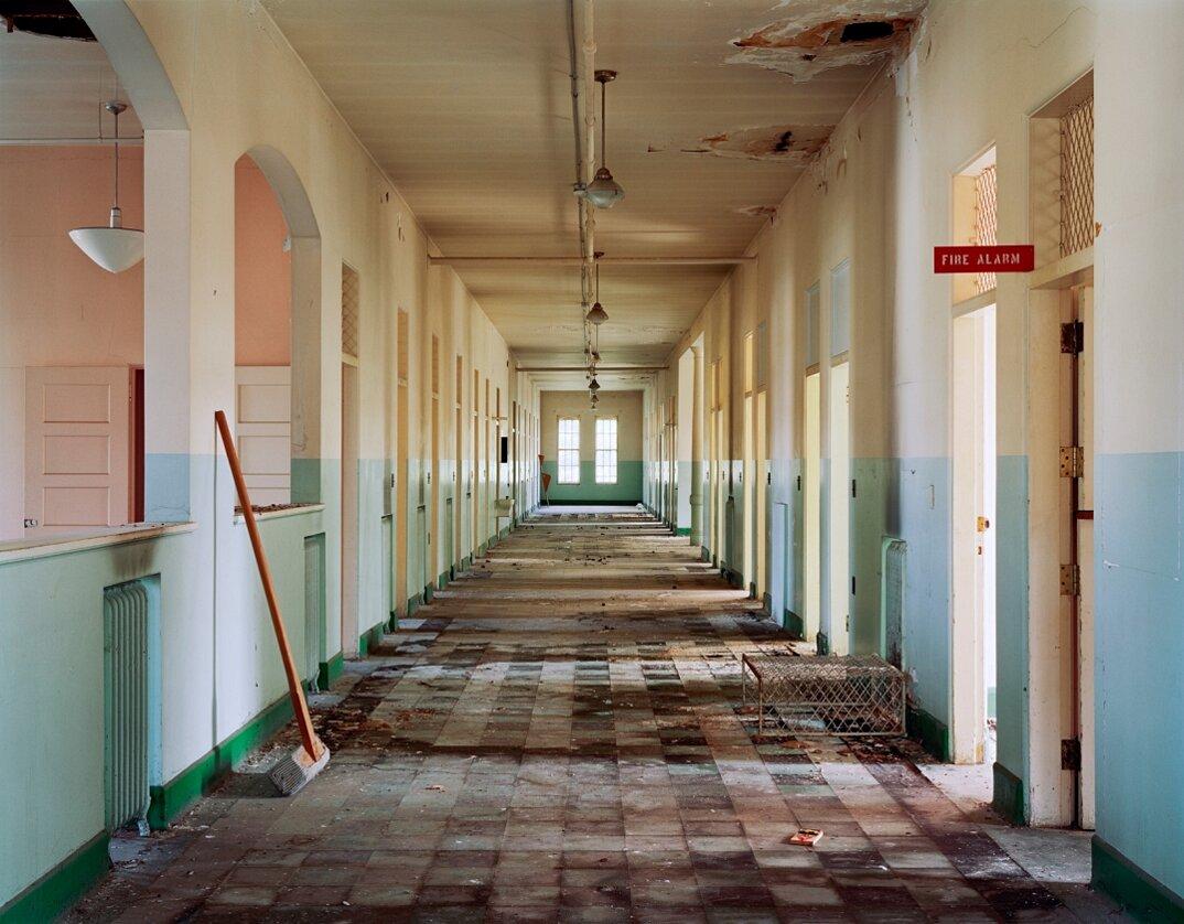fotografia-ospedali-psichiatrici-abbandonati-usa-christopher-payne-16