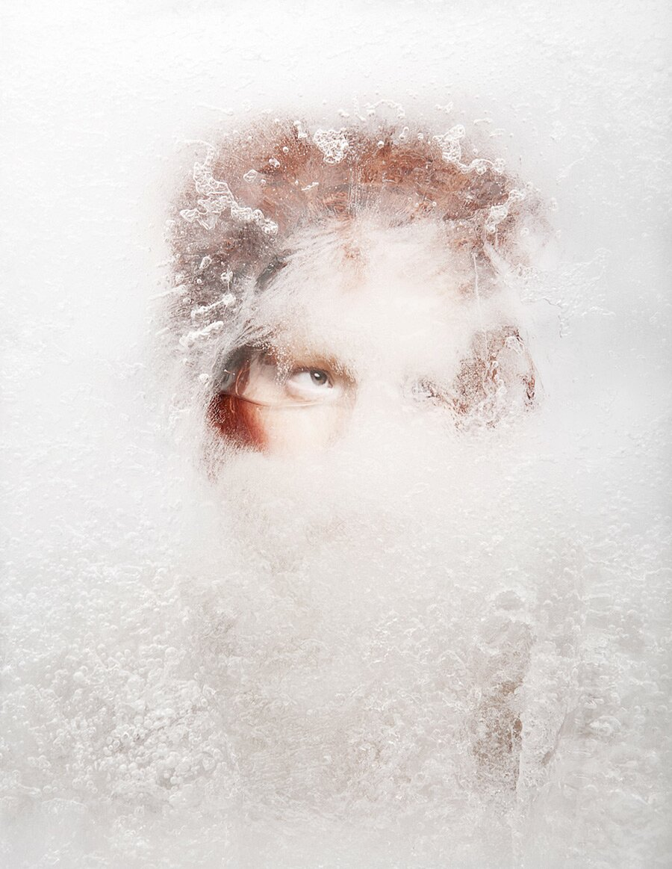 fotografia-ritratti-donna-ghiaccio-surreale-isabelle-chapuis-02