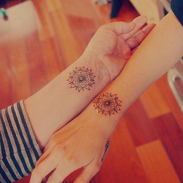 idee-tatuaggi-sorelle-45