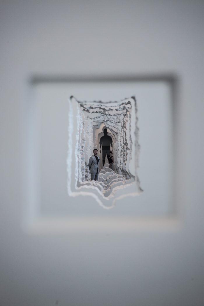 installazione-pareti-buchi-architettura-daniel-arsham-5