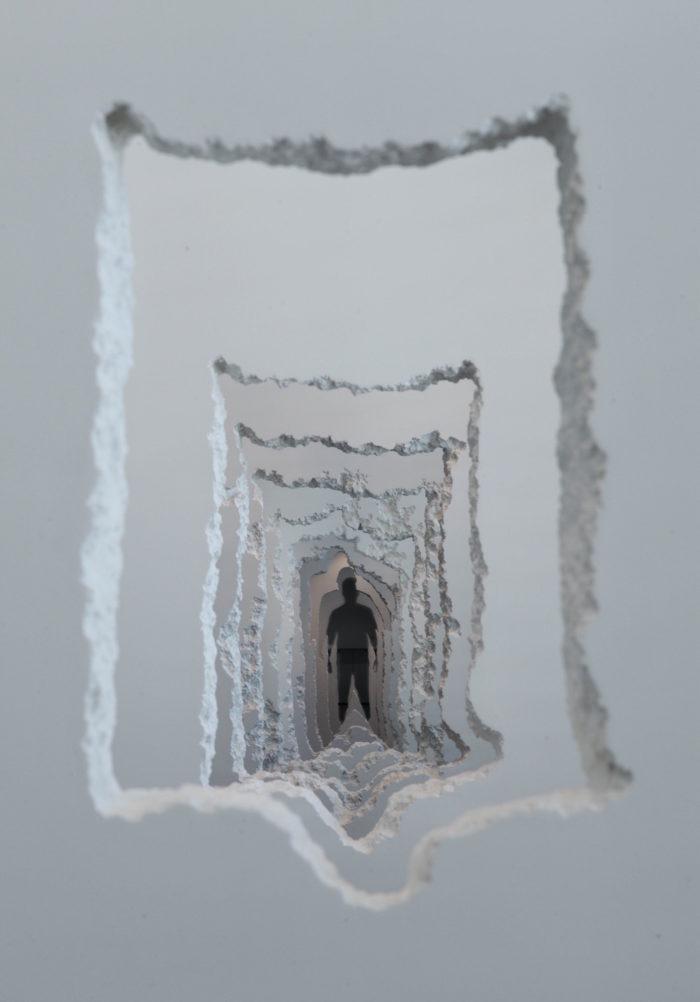 installazione-pareti-buchi-architettura-daniel-arsham-6