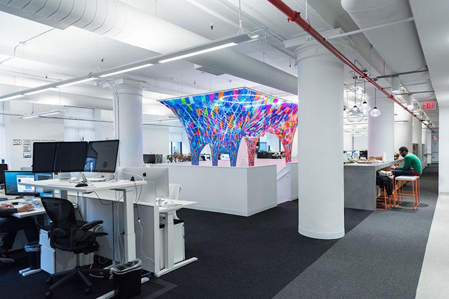 installazione-vetro-colori-behance-new-york-softlab-3