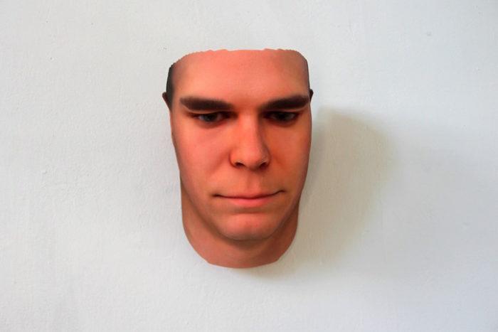 maschere-umane-dna-copie-arte-heather-dewey-hagborg-01