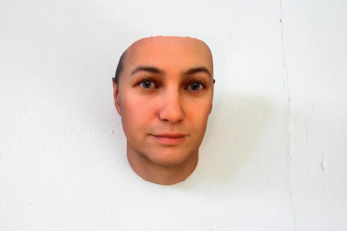 maschere-umane-dna-copie-arte-heather-dewey-hagborg-04