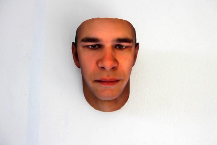 maschere-umane-dna-copie-arte-heather-dewey-hagborg-05