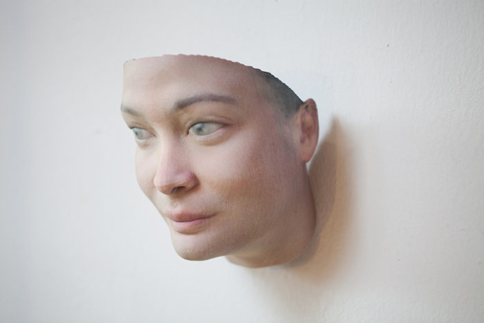 maschere-umane-dna-copie-arte-heather-dewey-hagborg-08