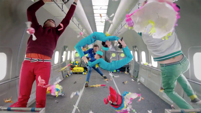 ok-go-video-gravita-upside-down-inside-out-2