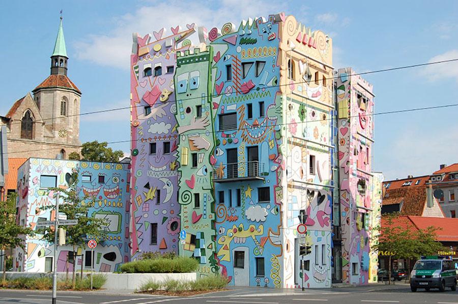 pop-art-street-palazzo-braunschweig-germania-happy-rizzi-1