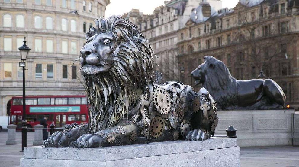 scultura-leone-national-geographic-trafalgar-square-londra-3