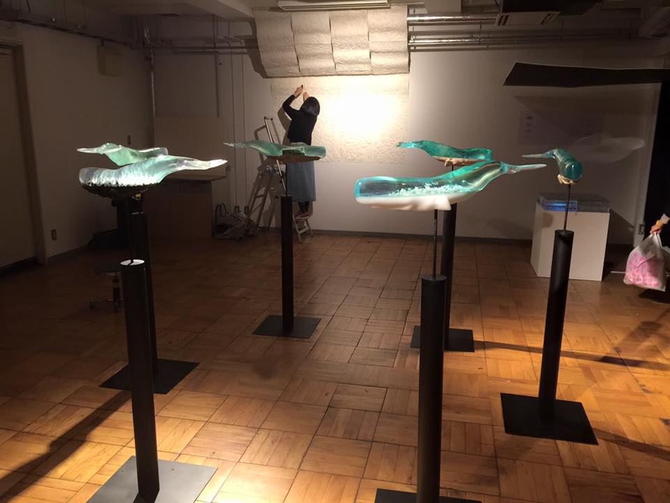 sculture-balene-trasparenti-buddismo-isana-yamada-06