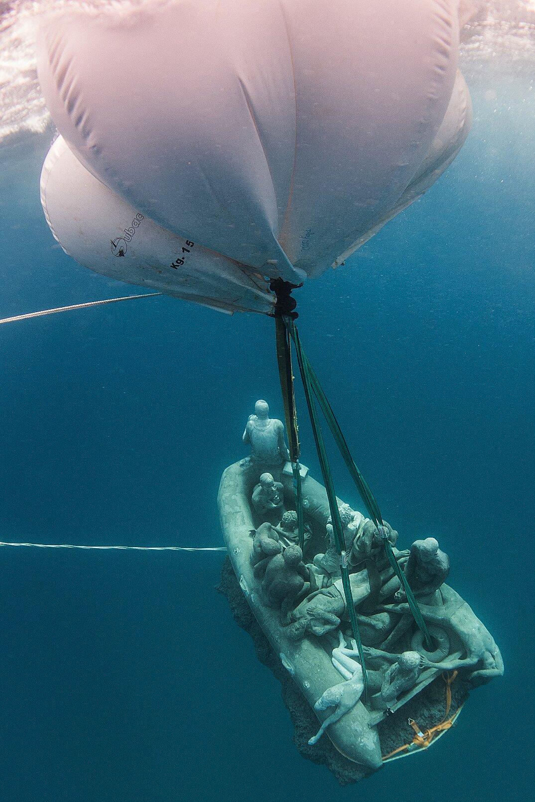 sculture-sottomarine-museo-atlantico-jason-decaires-taylor-04