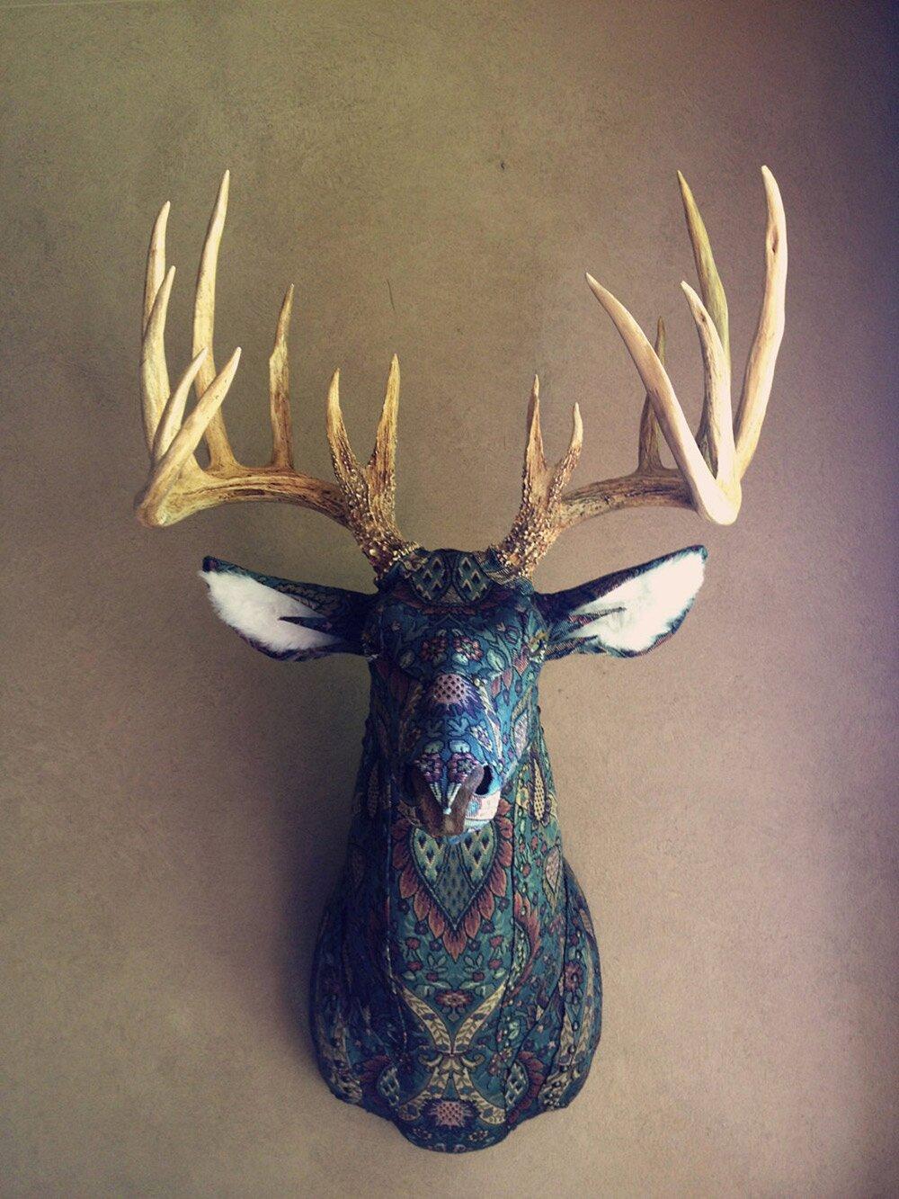 sculture-tassidermie-animali-teste-stoffe-tessuti-jelinek-3