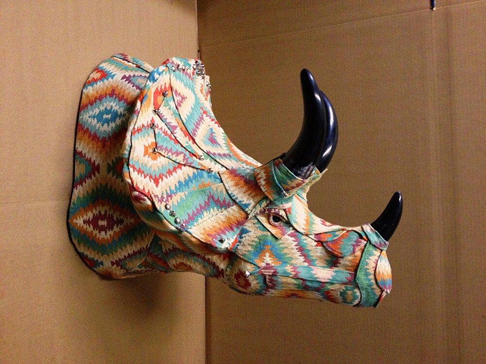 sculture-tassidermie-animali-teste-stoffe-tessuti-jelinek-5