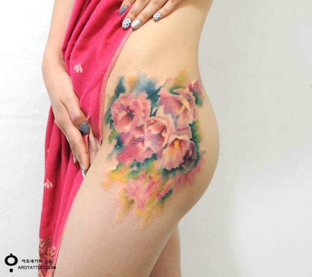 tatuaggi-fiori-acquerelli-aro-tattoo-03