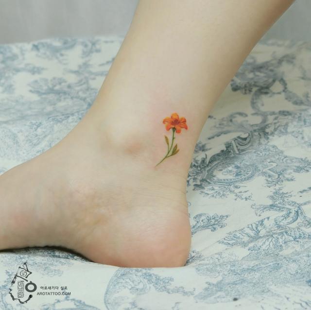 tatuaggi-fiori-acquerelli-aro-tattoo-11