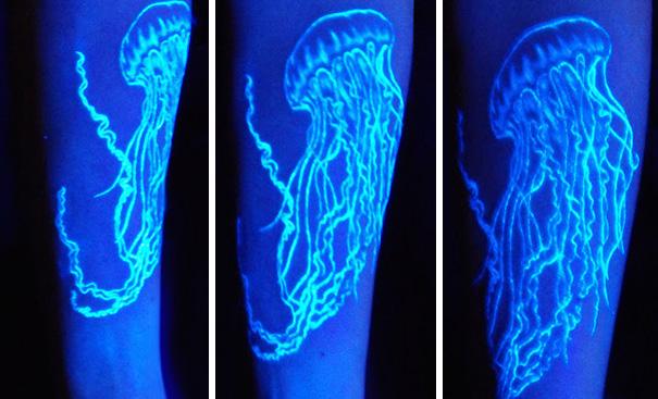 tatuaggi-invisibili-luce-nera-brillano-nel-buio-20