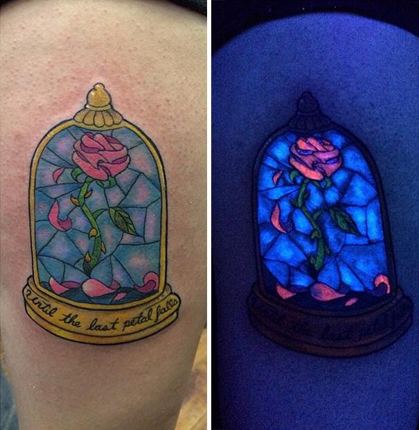 tatuaggi-invisibili-luce-nera-brillano-nel-buio-28