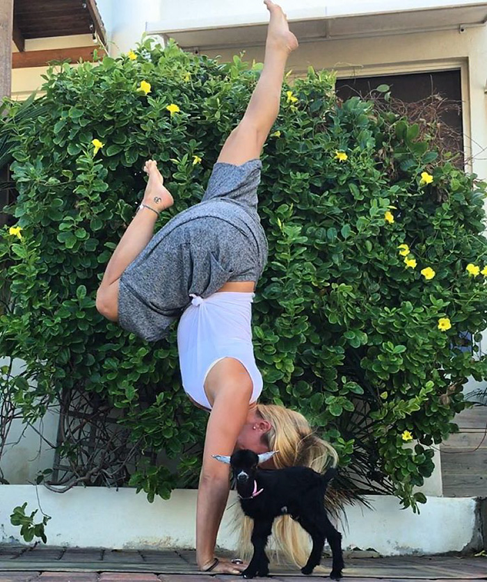 yoga-capra-penny-rachel-brathen-01