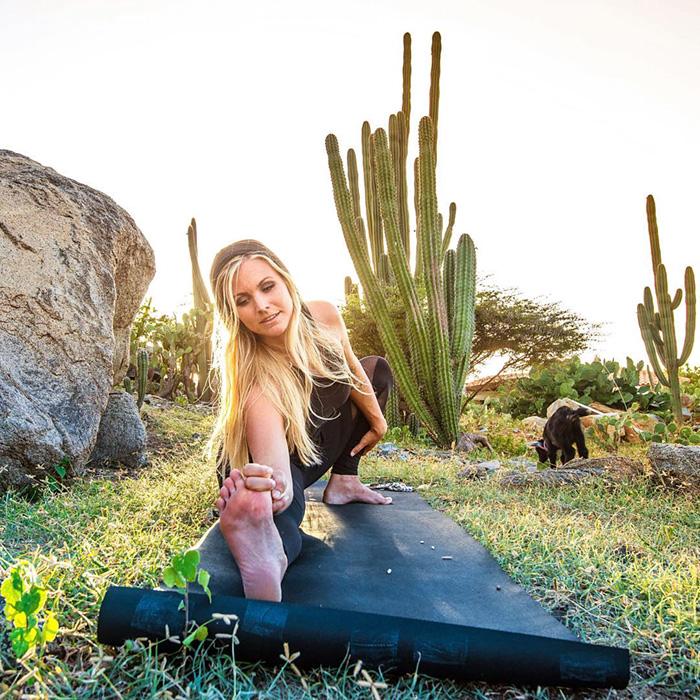 yoga-capra-penny-rachel-brathen-05
