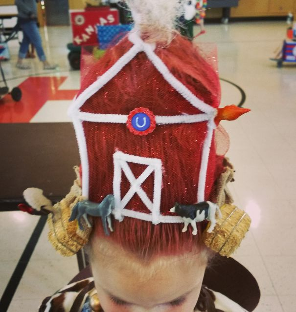 acconciature-pettinature-capelli-folli-bizzarri-crazy-hair-day-02