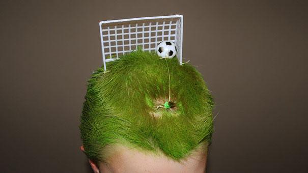 acconciature-pettinature-capelli-folli-bizzarri-crazy-hair-day-06