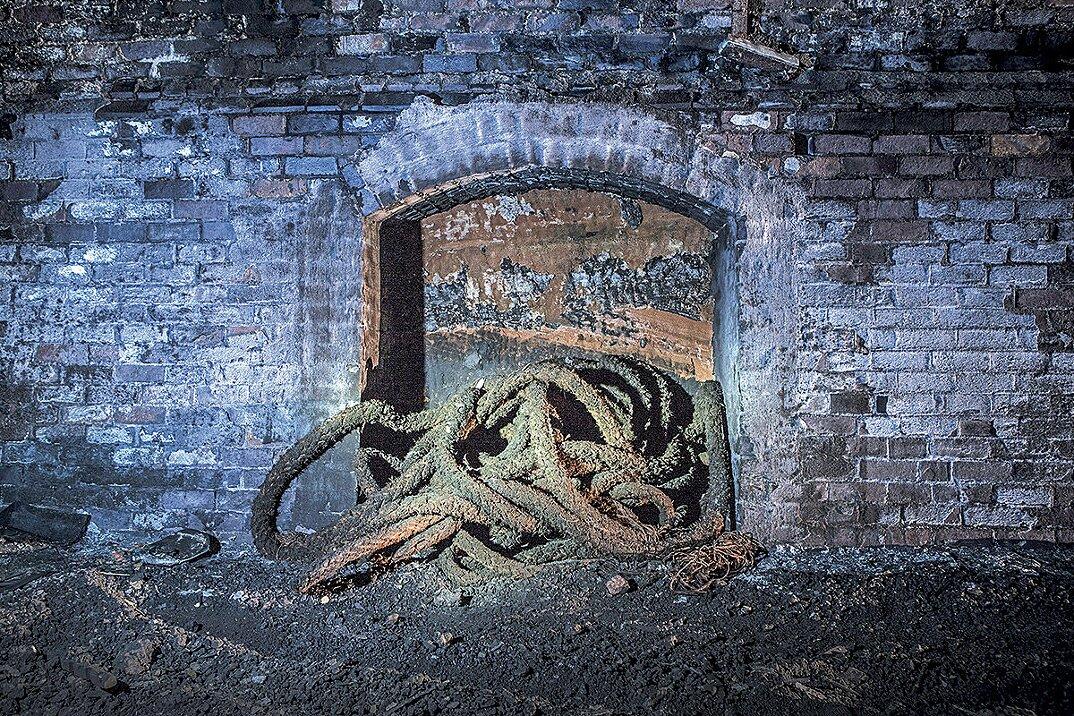 auto-epoca-abbandonate-tunnel-liverpool-05