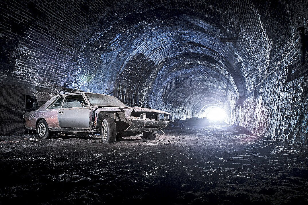 auto-epoca-abbandonate-tunnel-liverpool-10
