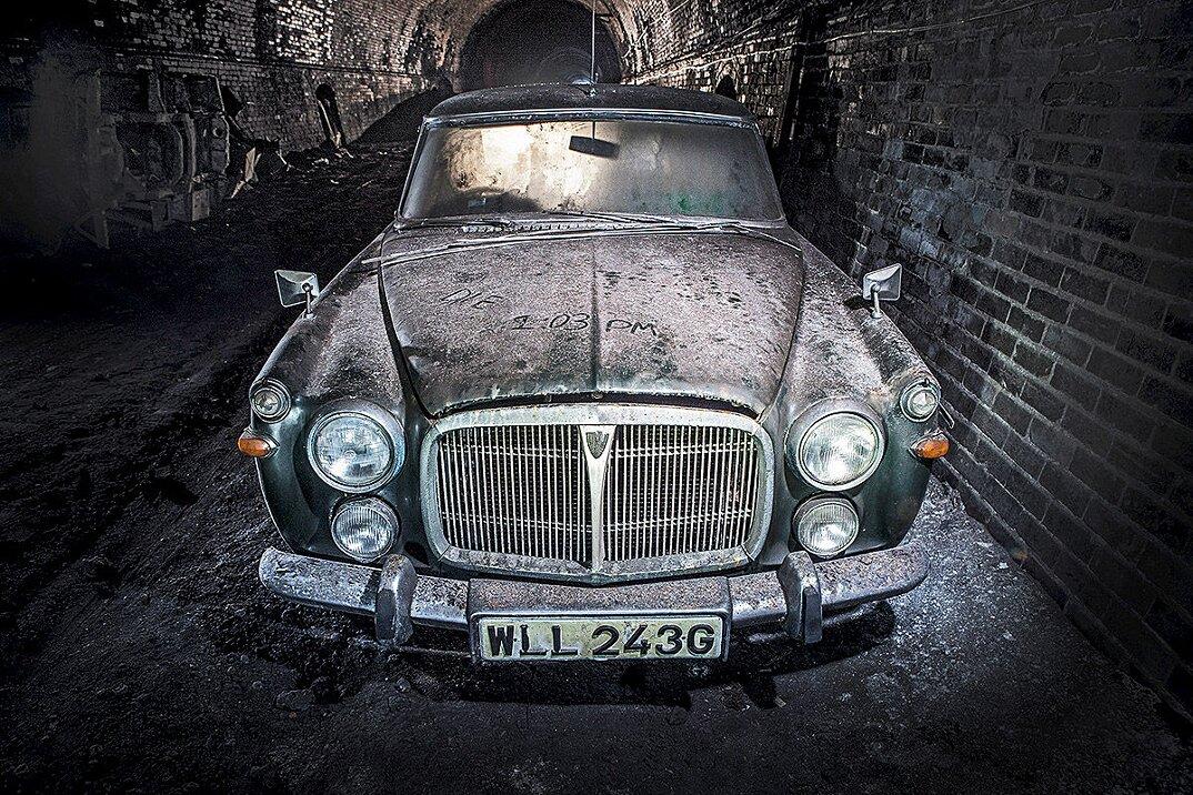 auto-epoca-abbandonate-tunnel-liverpool-18