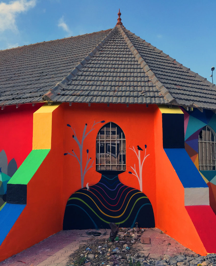 chiesa-abbandonata-dipinta-urban-street-art-okuda-san-miguel-10