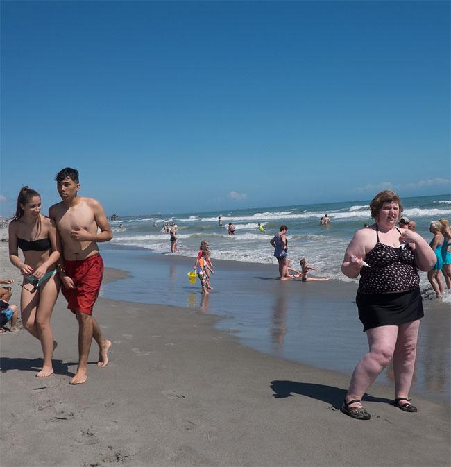 donna-obesa-foto-in pubblico-reazioni-passanti-haley-morris-cafiero-01