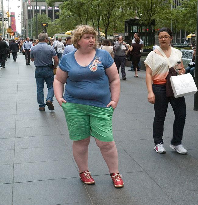 donna-obesa-foto-in pubblico-reazioni-passanti-haley-morris-cafiero-02