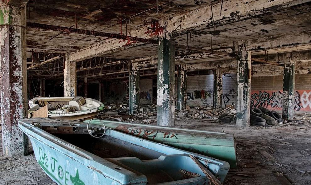 edifici-fatiscenti-detroit-citta-fantasma-05
