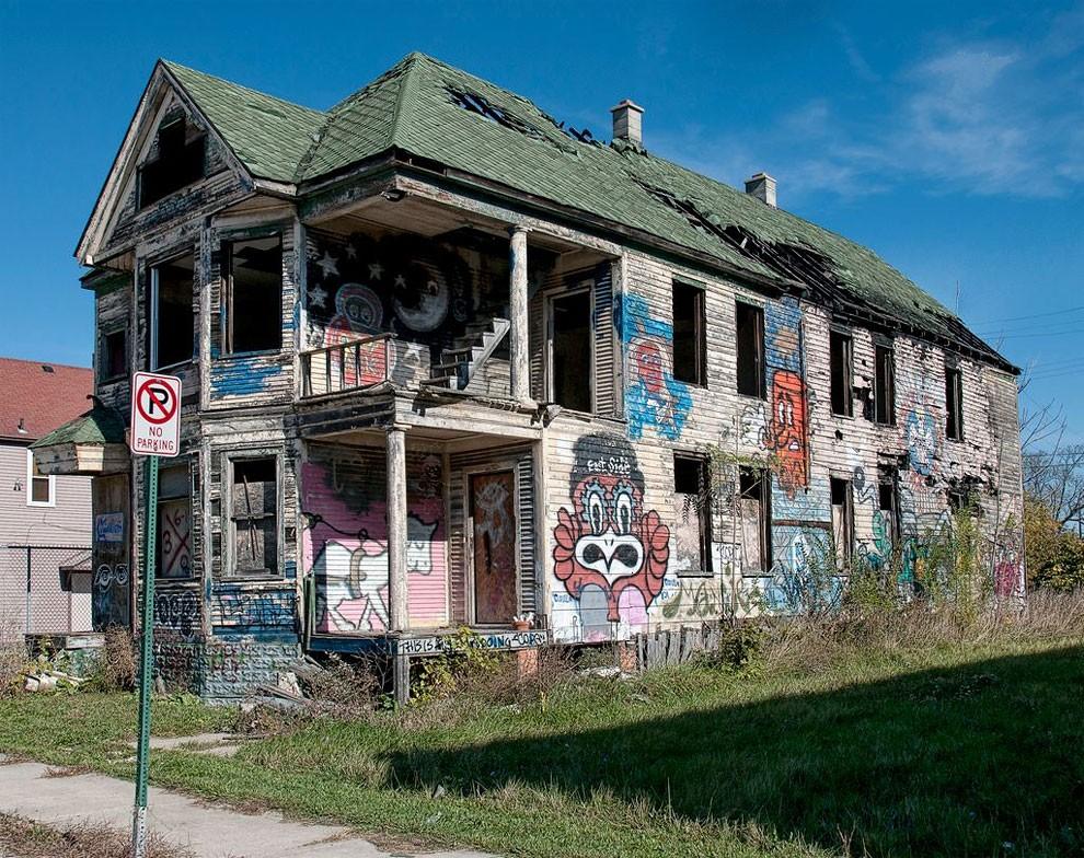 edifici-fatiscenti-detroit-citta-fantasma-07