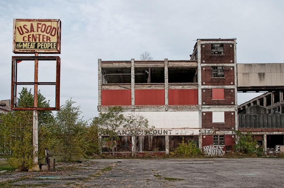 edifici-fatiscenti-detroit-citta-fantasma-09