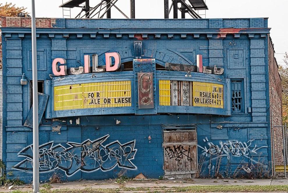 edifici-fatiscenti-detroit-citta-fantasma-17