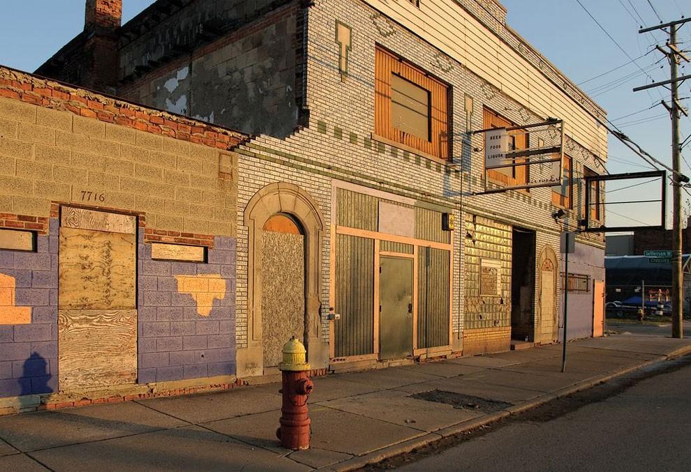 edifici-fatiscenti-detroit-citta-fantasma-21