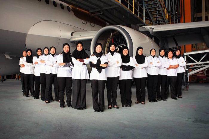 equipaggio-donne-aereo-atterra-arabia-saudita-2