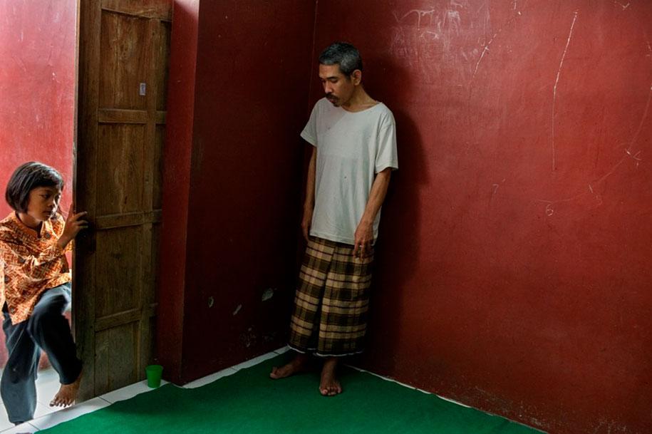 foto-scioccanti-malati-mentali-indonesia-andrea-star-reese-15