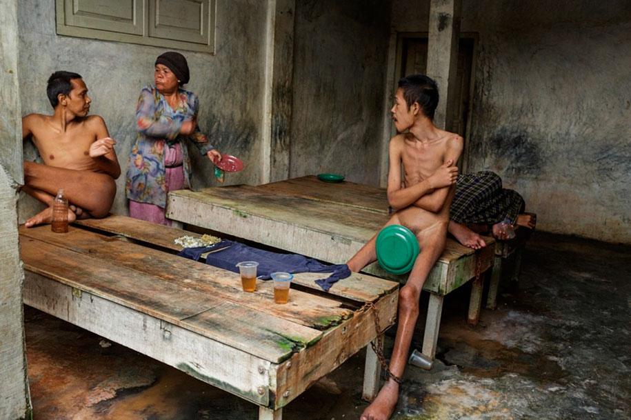 foto-scioccanti-malati-mentali-indonesia-andrea-star-reese-17