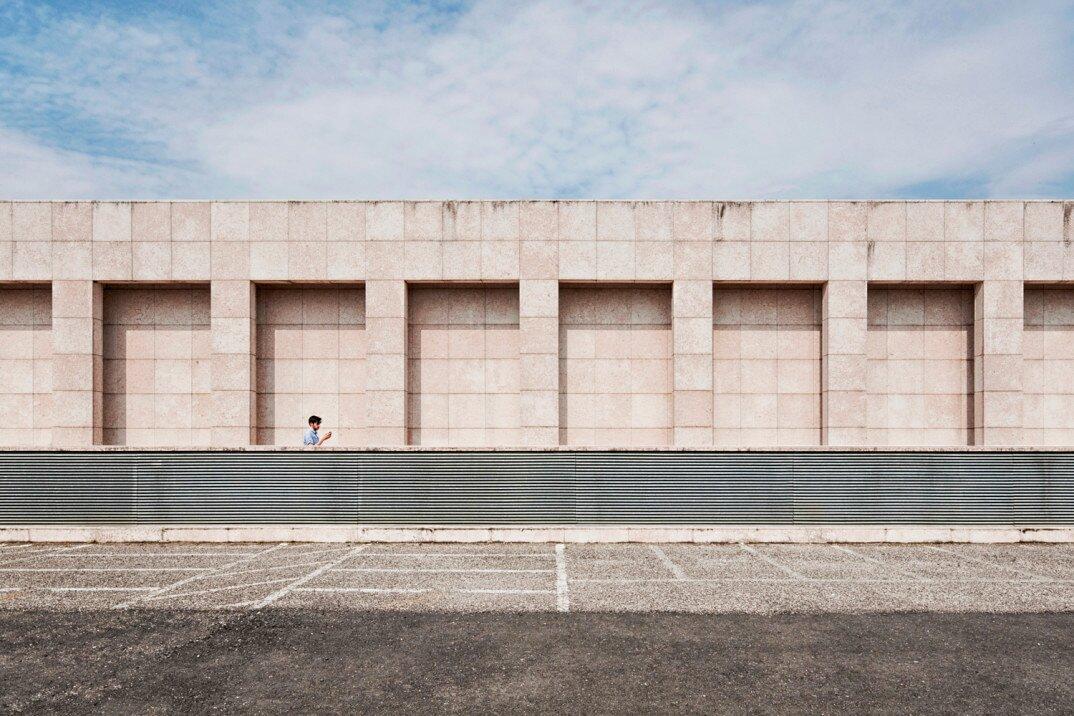 fotografia-citta-deserte-spazi-urbani-lorenzo-linthout-10-Verona-1074x716